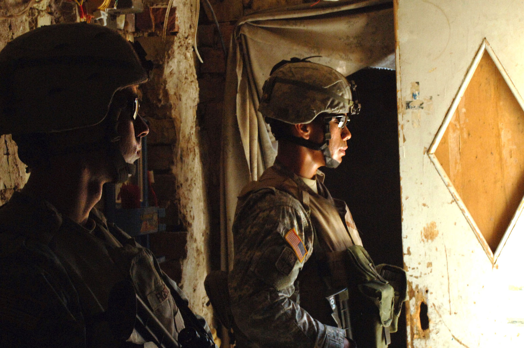 Army Soldiers in the Sun, photo by: SPC HOLLEY BAKER