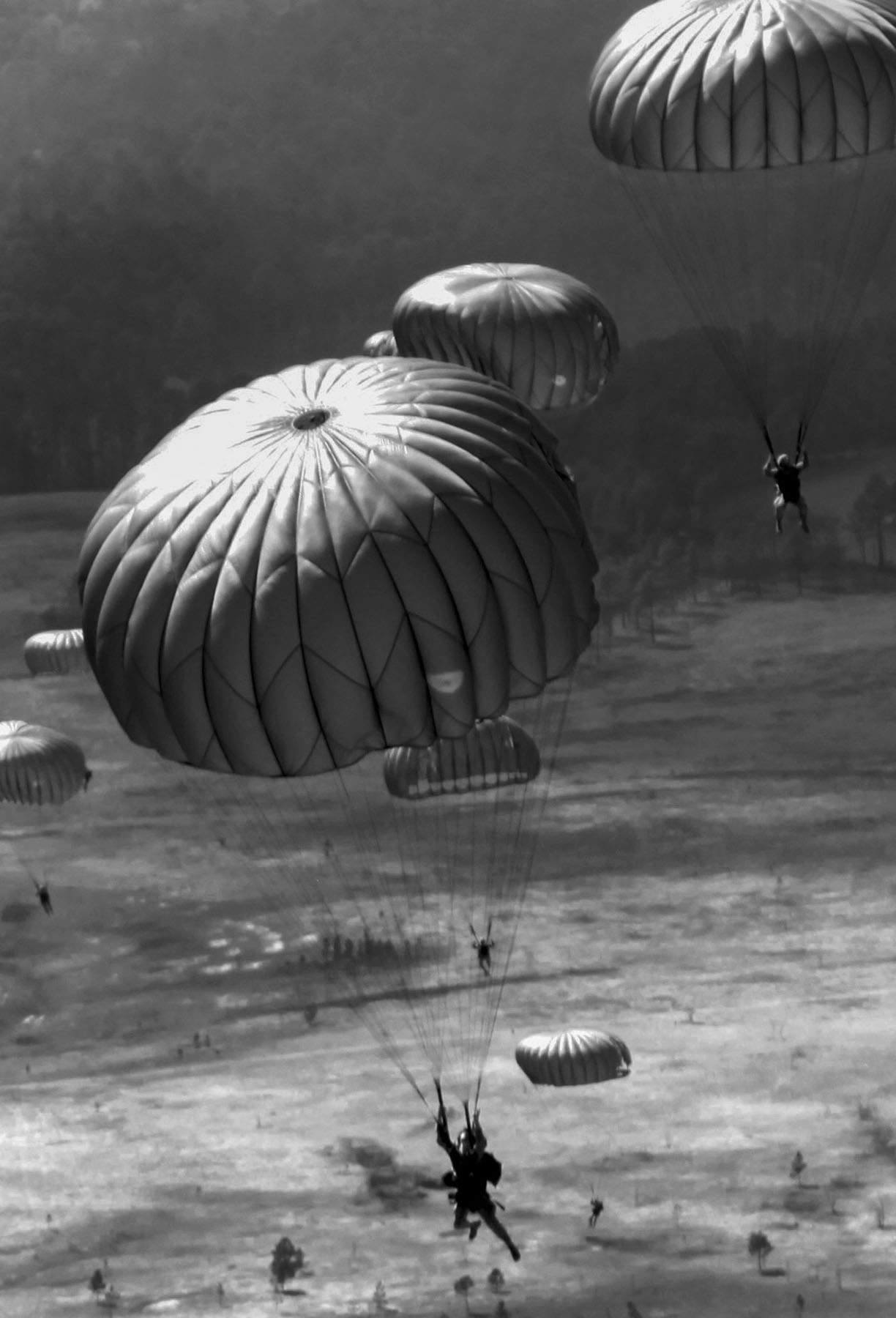 Airborne Jump, Fort Bragg, photo by: SPC Ashley Hayes